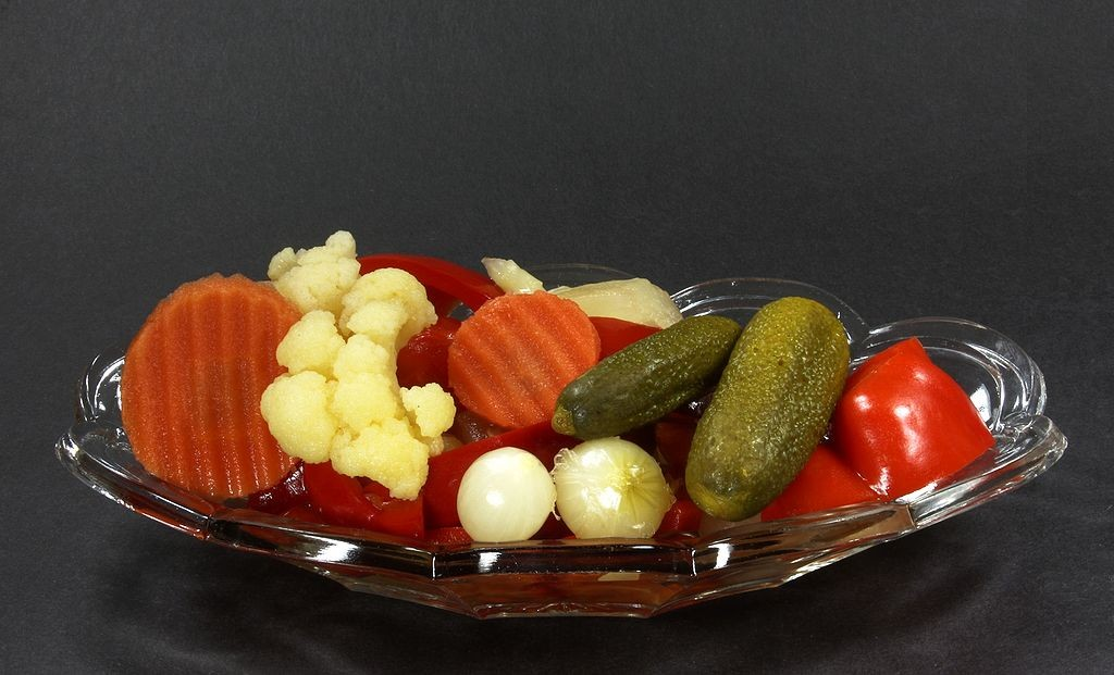 1024px-Mixed_Pickles_(9370-72)